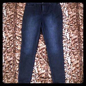 Never worn! Jennifer Lopez Jeans!